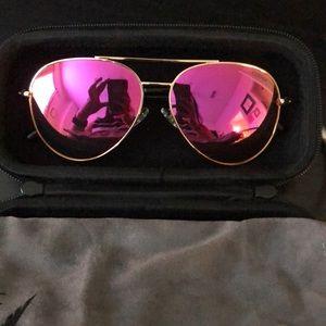 Pink reflective aviator sunglasses